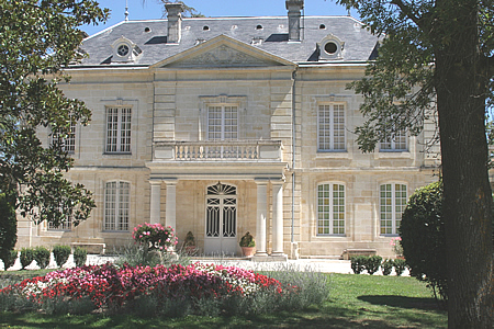 You'll stay at our beautiful Chateau Coulon Laurensac